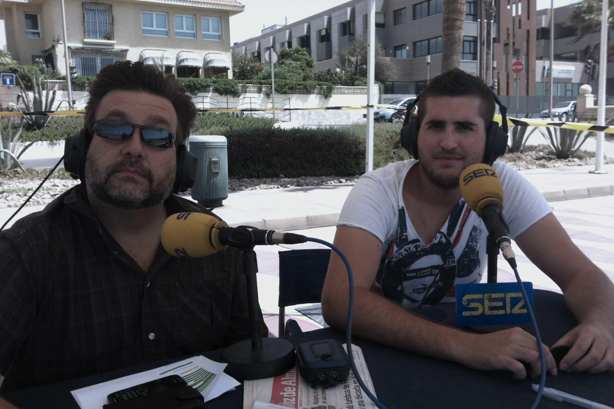 Alfredo Casas y Cele Díaz, presentador y copresentador de Hoy por Hoy Cadena SER Almería