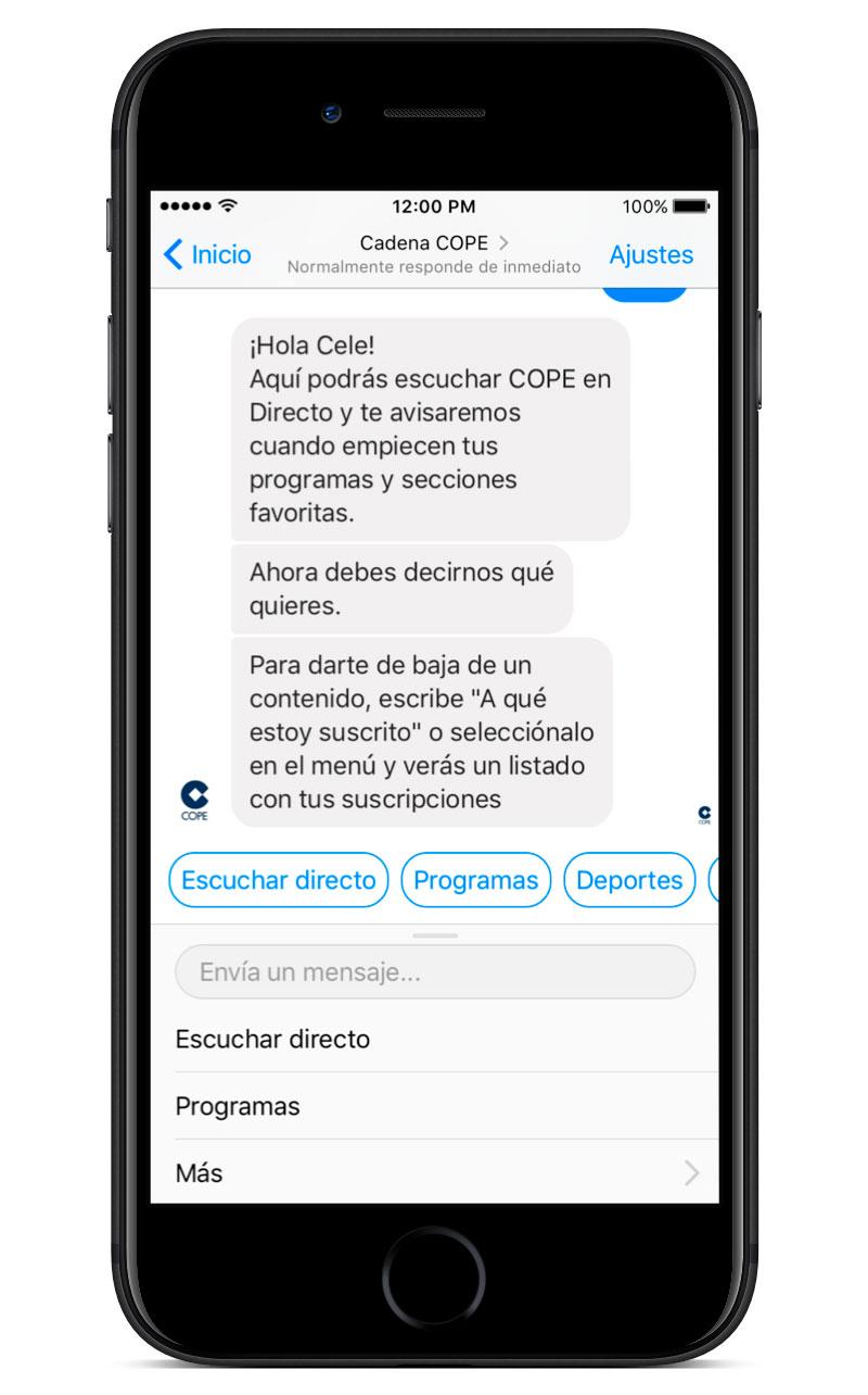 iPhone con la pantalla de bienvenida del Chatbot de COPE