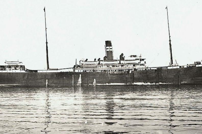 El vapor Valbanera fue un gran buque correo transatlántico de vapor español, propiedad de la compañía de navegación Naviera Pinillos. Su naufragio en 1919 constituye el peor desastre marítimo español en tiempo de paz hasta la fecha.