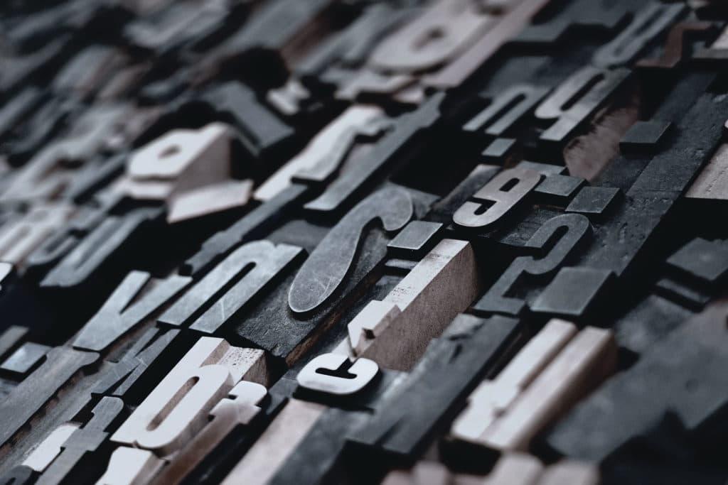 Diseño de tarjetas. Tipos móviles de imprenta