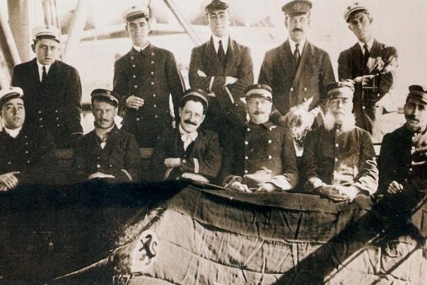 Nueva Orleáns 1916. Oficiales del VALBANERA. Foto Archivo Juan Carlos Díaz Lorenzo. Del libro El Misterio del VALBANERA.